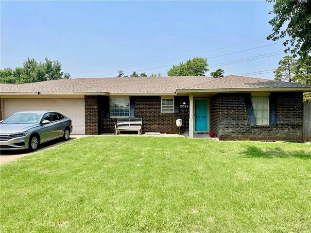 2013 E Ridgeway Street, Weatherford, OK 73096 (MLS #969735) :: Sold by Shanna- 525 Realty Group