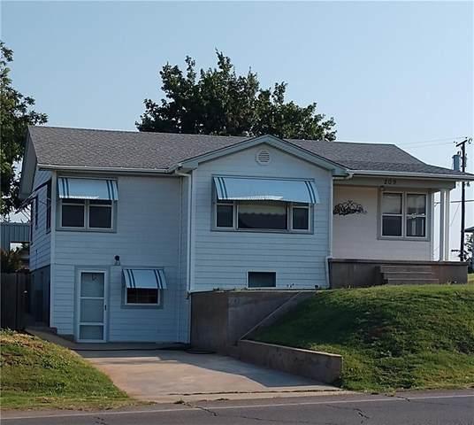 209 E 4th Street, Carnegie, OK 73015 (MLS #969900) :: Erhardt Group