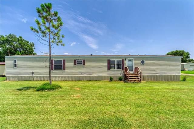 300 N 8th Street, Hammon, OK 73650 (MLS #970206) :: Homestead & Co