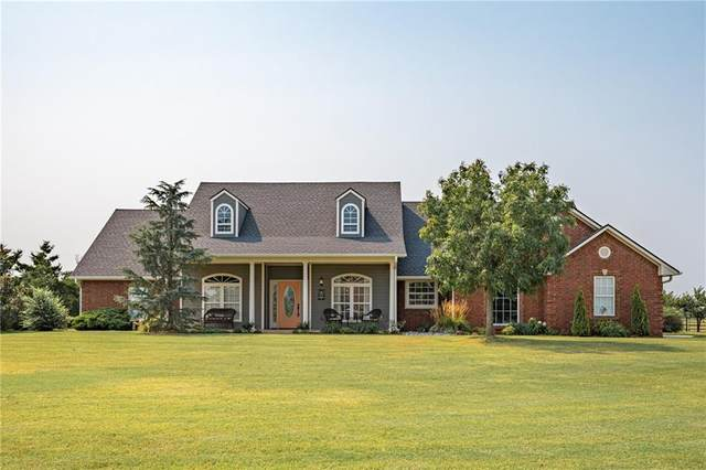 5321 Castle Ridge Drive, Mustang, OK 73064 (MLS #970411) :: The UB Home Team at Whittington Realty