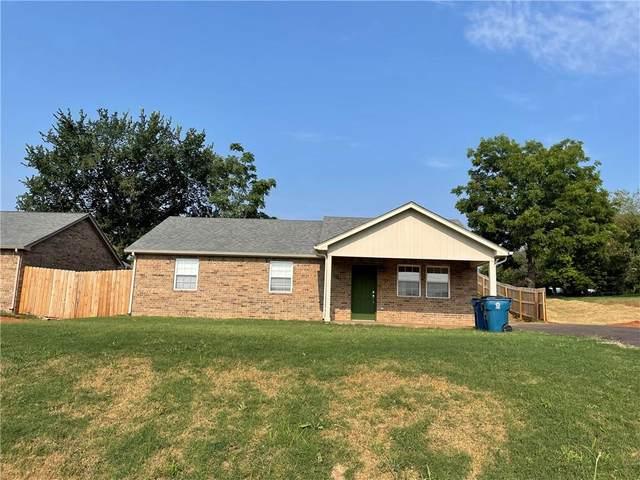 1300 S Iowa Avenue, Chandler, OK 74834 (MLS #970675) :: The UB Home Team at Whittington Realty