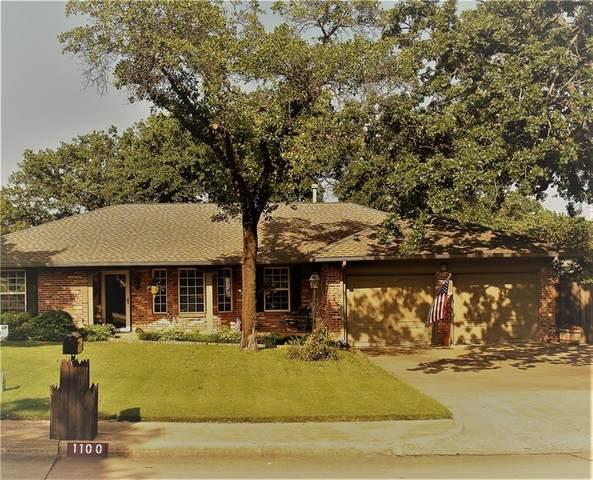 1100 Pine Oak Drive, Edmond, OK 73034 (MLS #970800) :: KG Realty