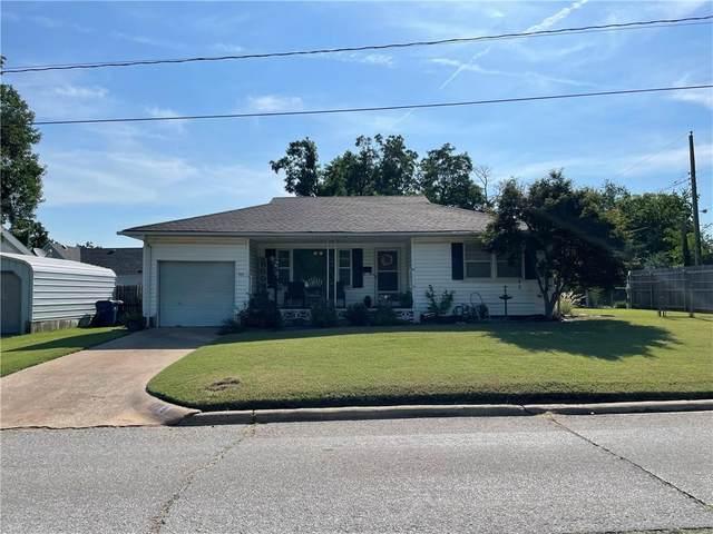 711 S 14th Street, Chickasha, OK 73018 (MLS #972507) :: Maven Real Estate