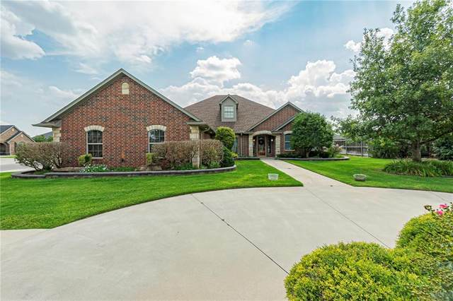 2220 Ping Drive, Weatherford, OK 73096 (MLS #974297) :: Homestead & Co