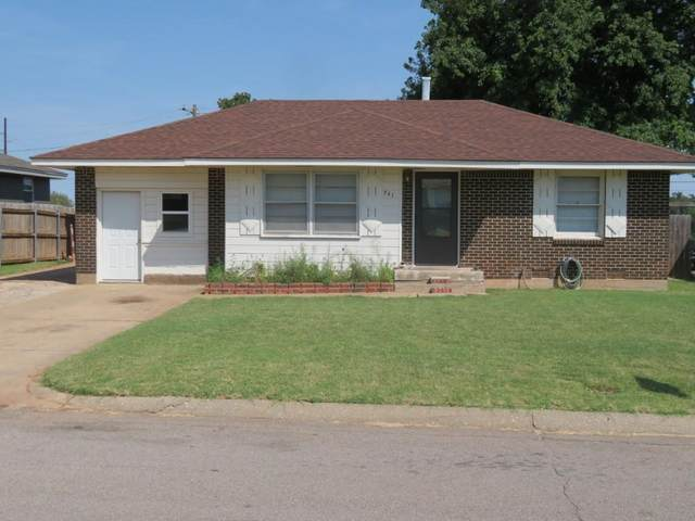 741 Santa Fe, Clinton, OK 73601 (MLS #974972) :: Maven Real Estate