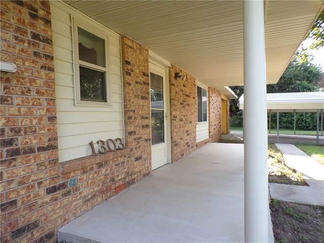1303 E Lawrence Street, Wynnewood, OK 73098 (MLS #975015) :: Erhardt Group