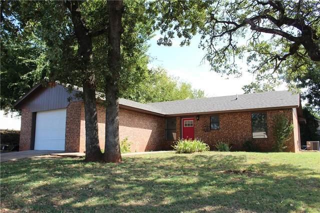 820 S Iowa Avenue, Chandler, OK 74834 (MLS #975702) :: Homestead & Co
