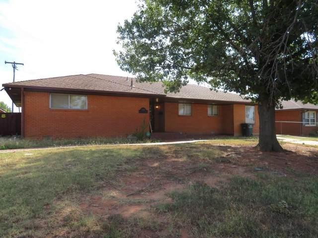 1200 Barker Road, Clinton, OK 73601 (MLS #976729) :: Homestead & Co