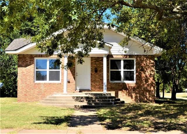 301 W 9th Street, Stroud, OK 74079 (MLS #976837) :: Homestead & Co