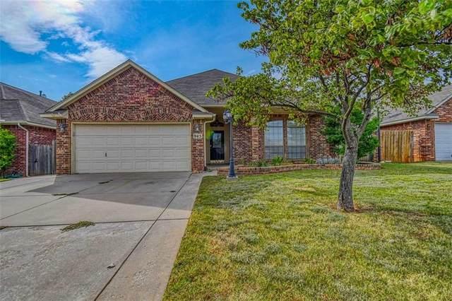 945 Oak Creek Drive, Moore, OK 73160 (MLS #977029) :: Homestead & Co