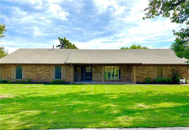 1702 Todd Estates Drive, Chickasha, OK 73018 (MLS #979955) :: Keller Williams Realty Elite