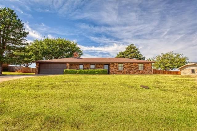 122 W Quail, Cordell, OK 73632 (MLS #980068) :: Homestead & Co