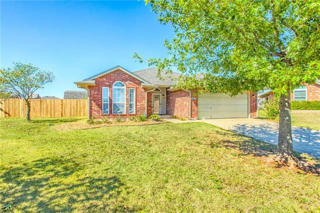 221 Tecumseh Ridge Circle, Norman, OK 73069 (MLS #980298) :: Homestead & Co