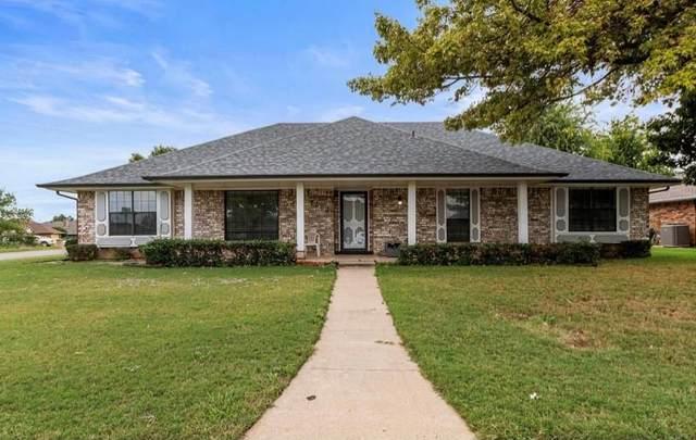 7302 NW 107th Street, Oklahoma City, OK 73162 (MLS #980521) :: Homestead & Co