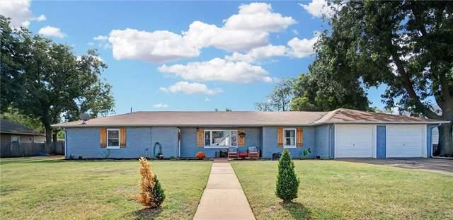 914 W D Avenue, Elk City, OK 73644 (MLS #981523) :: Homestead & Co