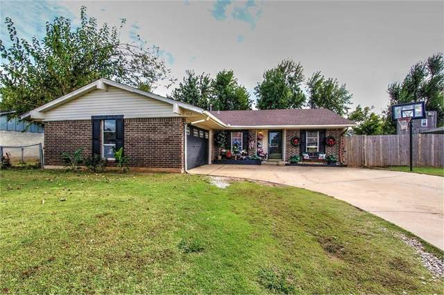 1112 W Dorchester Way, Mustang, OK 73064 (MLS #982025) :: The UB Home Team at Whittington Realty