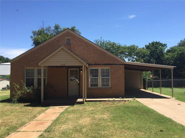 514 W Tom Stafford, Weatherford, OK 73096 (MLS #767919) :: Wyatt Poindexter Group