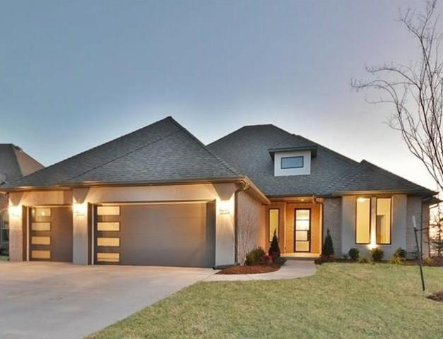 1924 Carmona Lakes Drive, Moore, OK 73160 (MLS #804137) :: Wyatt Poindexter Group