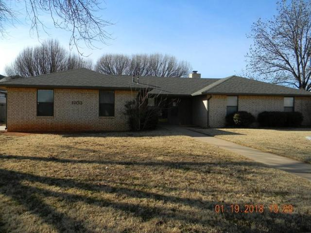1203 N Lusk, Elk City, OK 73644 (MLS #804333) :: Wyatt Poindexter Group