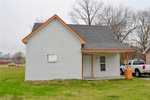 904 E Walnut, Shawnee, OK 74801 (MLS #806945) :: Wyatt Poindexter Group