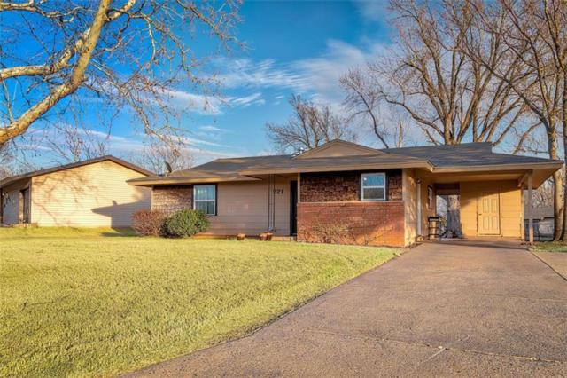 221 Hoover Circle, Elk City, OK 73644 (MLS #810102) :: KING Real Estate Group