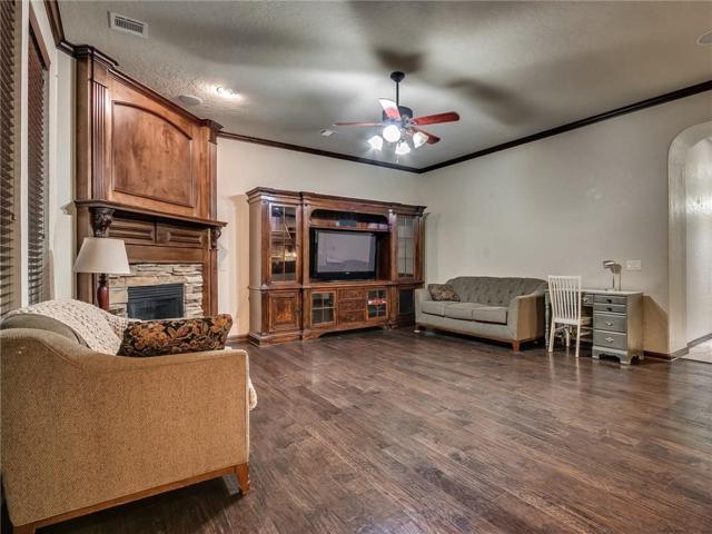 301 SW 172nd Circle, Oklahoma City, OK 73170 (MLS #812590) :: Wyatt Poindexter Group