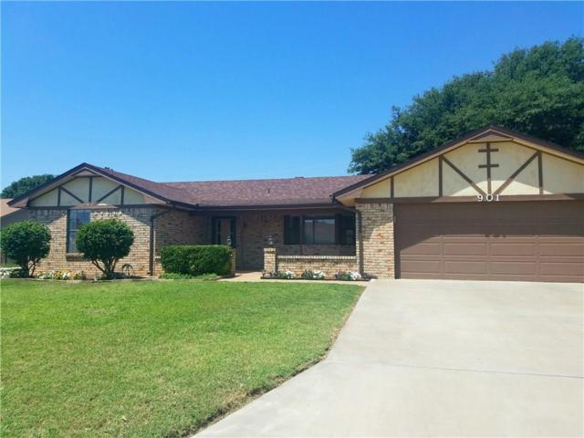 901 Cambridge Drive, Altus, OK 73521 (MLS #813359) :: Barry Hurley Real Estate