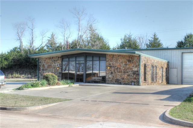 903 E 35th, Shawnee, OK 74804 (MLS #813428) :: Homestead & Co