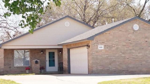 808 NW 43rd St, Oklahoma City, OK 73118 (MLS #819045) :: Wyatt Poindexter Group