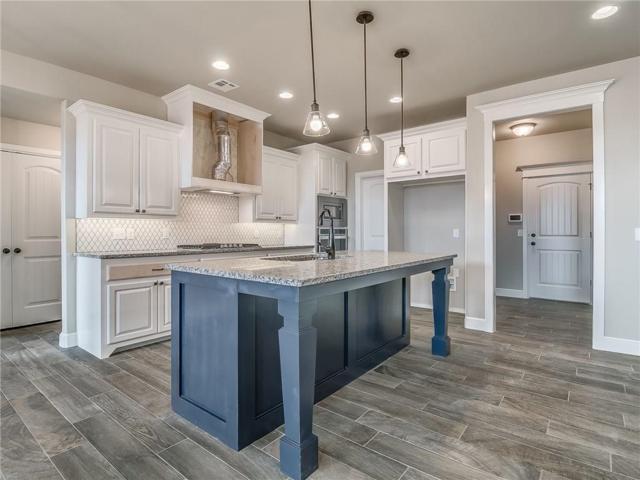 2716 Cedar Creek Drive, Moore, OK 73160 (MLS #831759) :: KING Real Estate Group
