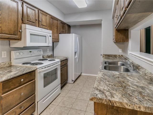 14425 N Pennsylvania Avenue 20G, Oklahoma City, OK 73134 (MLS #849808) :: KING Real Estate Group