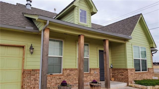 101 SW 9th Street, Moore, OK 73160 (MLS #852456) :: Homestead & Co
