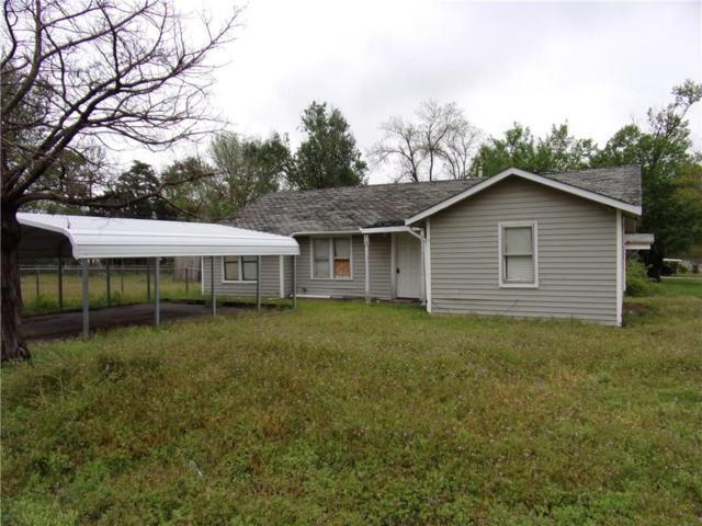819 SW 4th Street, Anadarko, OK 73005 (MLS #853742) :: Homestead & Co