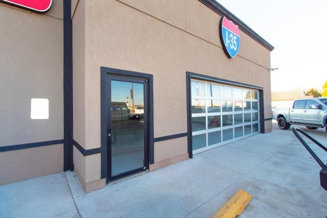 9229 S I 35 Service Road, Moore, OK 73160 (MLS #854007) :: Homestead & Co