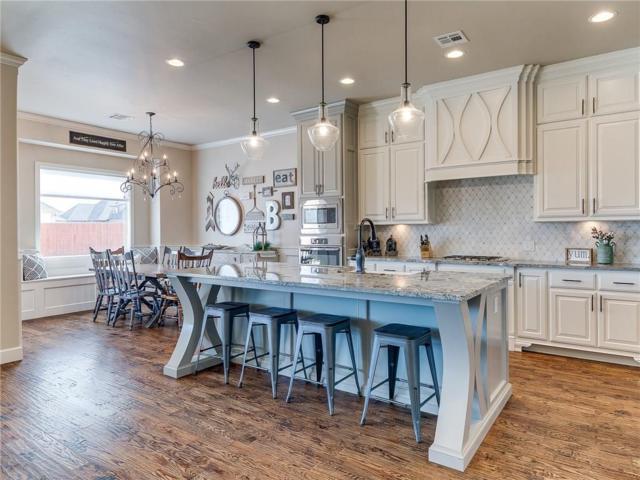 3804 Bridge Wood Lane, Oklahoma City, OK 73179 (MLS #855980) :: Homestead & Co