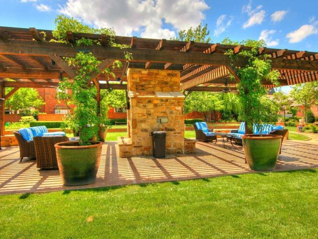 6424 Brandywine Lane #12, Oklahoma City, OK 73116 (MLS #867073) :: Denver Kitch Real Estate
