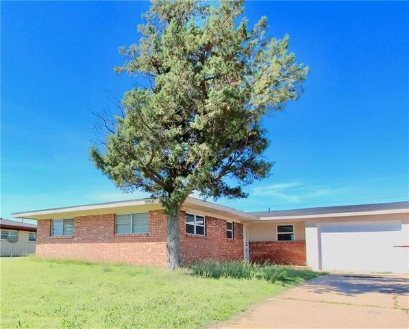 409 Cherokee Trail, Burns Flat, OK 73624 (MLS #871436) :: Your H.O.M.E. Team