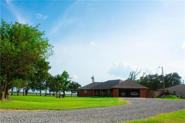 14425 N Maple Road, Calumet, OK 73040 (MLS #874200) :: Homestead & Co