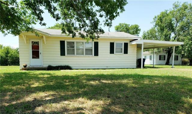 608 N Pine Street, Stratford, OK 74872 (MLS #875539) :: Homestead & Co