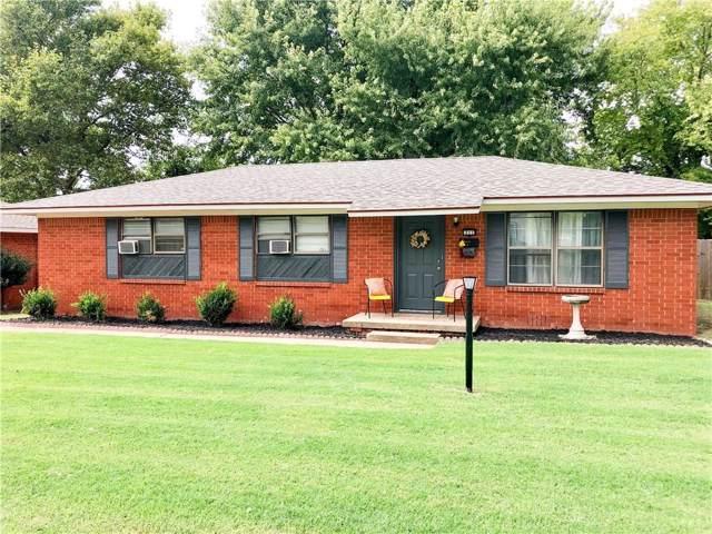 711 N 4th Street, Weatherford, OK 73096 (MLS #883086) :: Homestead & Co