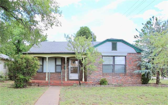 1024 W 1st Street, Elk City, OK 73644 (MLS #883383) :: Homestead & Co
