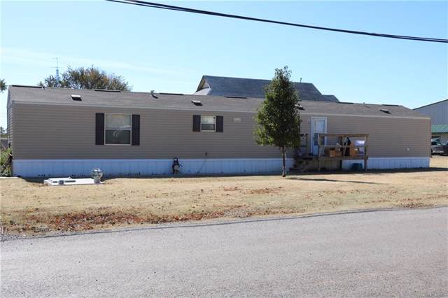 121 N Oklahoma Street, Thomas, OK 73669 (MLS #888950) :: Homestead & Co