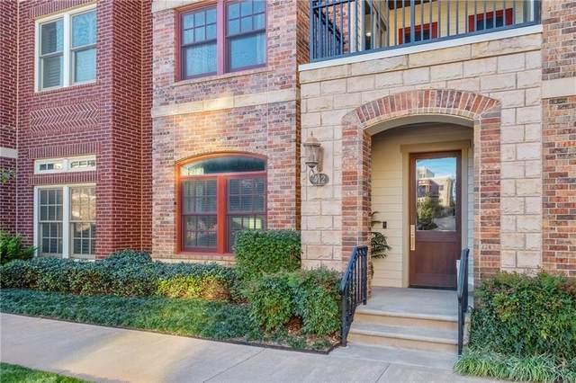 412 NE 1st Street, Oklahoma City, OK 73104 (MLS #889531) :: Homestead & Co