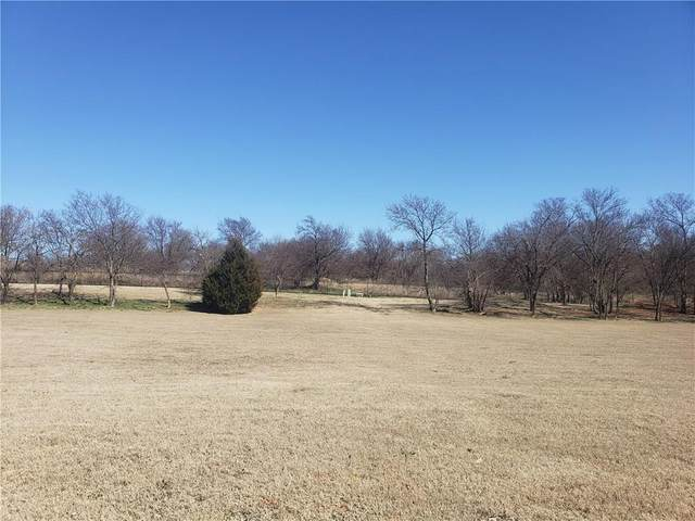 3500 Joshua Lane, Moore, OK 73165 (MLS #890490) :: Homestead & Co