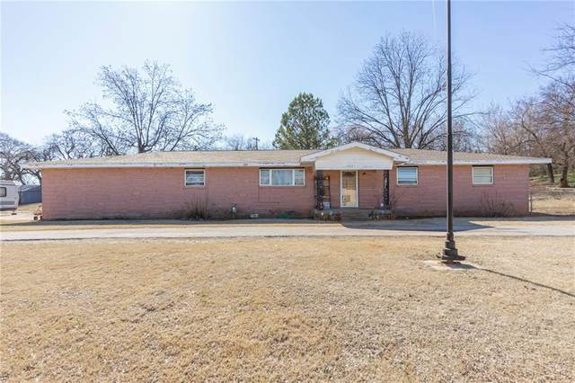 905 W Parkview Drive, Maysville, OK 73057 (MLS #892476) :: Homestead & Co