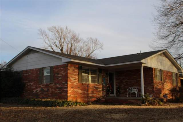 1524 N Barta Avenue, Prague, OK 74864 (MLS #894326) :: Homestead & Co