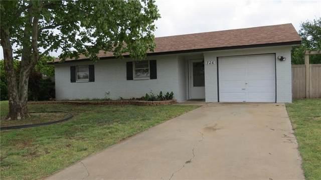 724 Hayes Street, Altus, OK 73521 (MLS #895506) :: Homestead & Co
