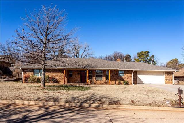 1211 N Indiana Street, Weatherford, OK 73096 (MLS #898131) :: Homestead & Co