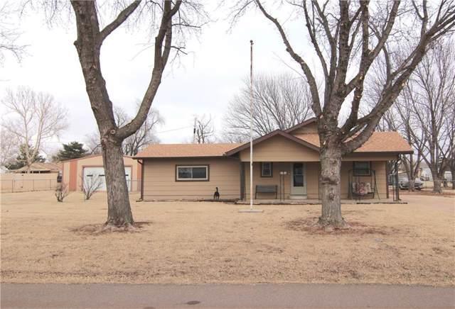 314 S Oklahoma Avenue, Elk City, OK 73644 (MLS #898417) :: Homestead & Co