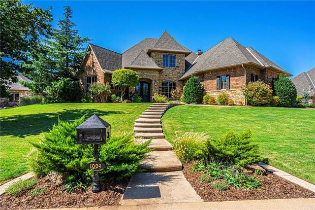 1009 Shadow Wood Drive, Edmond, OK 73034 (MLS #898638) :: Homestead & Co